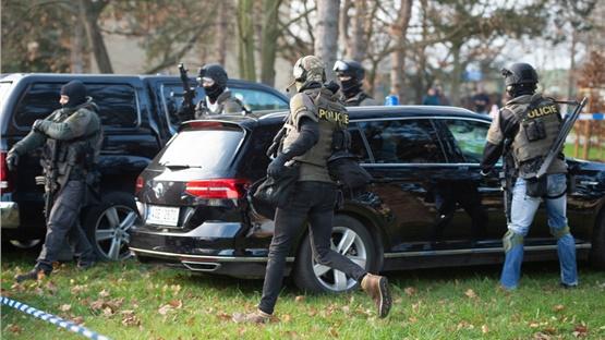Τσεχία: Αυτοκτόνησε ο δράστης της επίθεσης σε νοσοκομείο της...