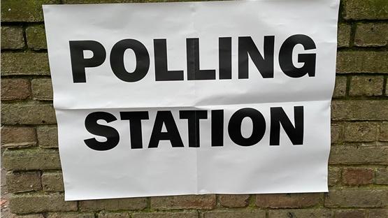 Ην. Βασίλειο: Ενισχυμένα μέτρα ασφαλείας σε πολλά εκλογικά κέντρα...