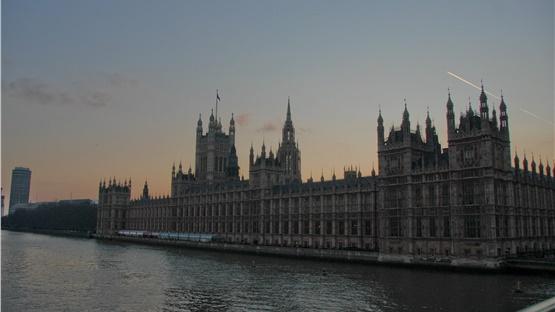 Εκλογές στο Ηνωμένο Βασίλειο: Αυτός είναι ο μισθός των βουλευτών