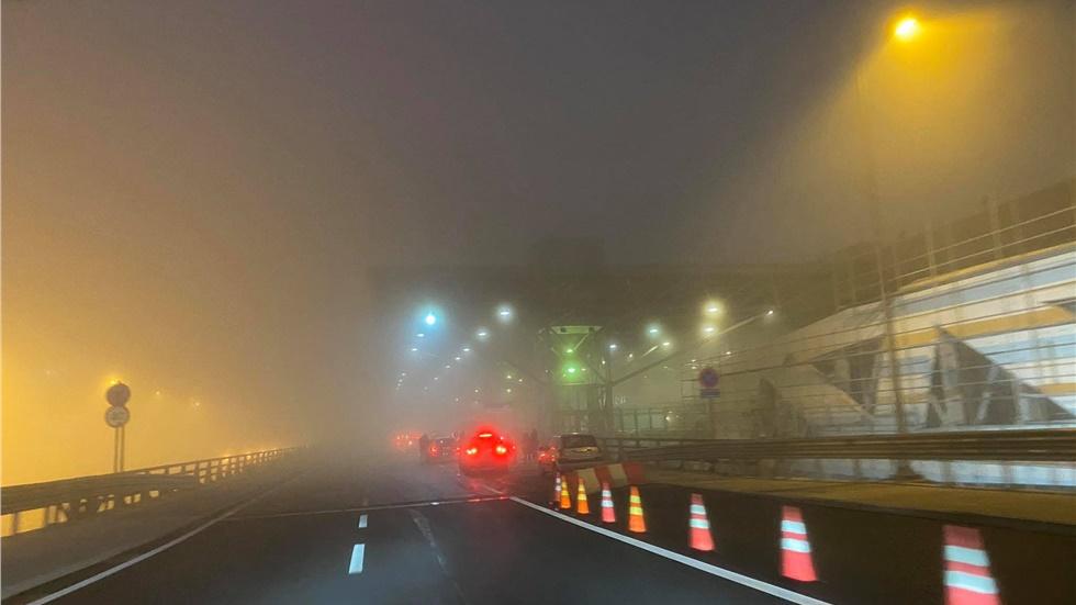 Υποχωρεί σταδιακά η ομίχλη στη Θεσσαλονίκη και το αεροδρόμιο...