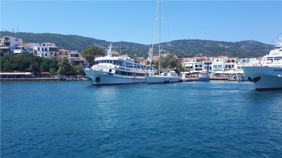 Κατά 23% αυξήθηκαν οι επισκέψεις και οι τουριστικές εισπράξεις...