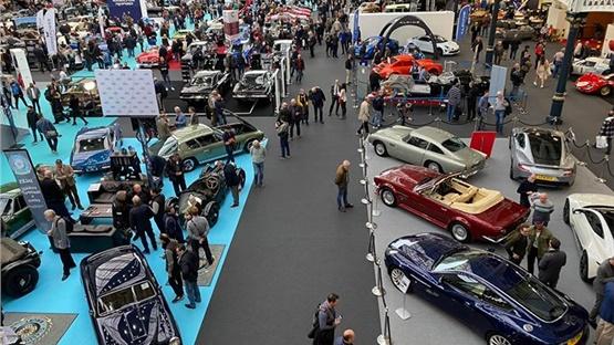 Έκθεση κλασικών αυτοκινήτων στο Λονδίνο