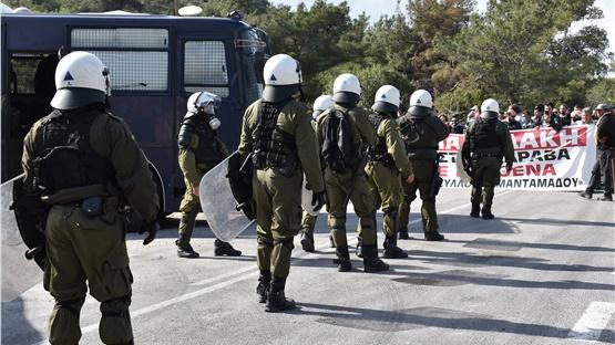 ΕΛΑΣ για τα γεγονότα σε Λέσβο και Χίο: «Όλες οι ευθύνες θα καταλογιστούν...