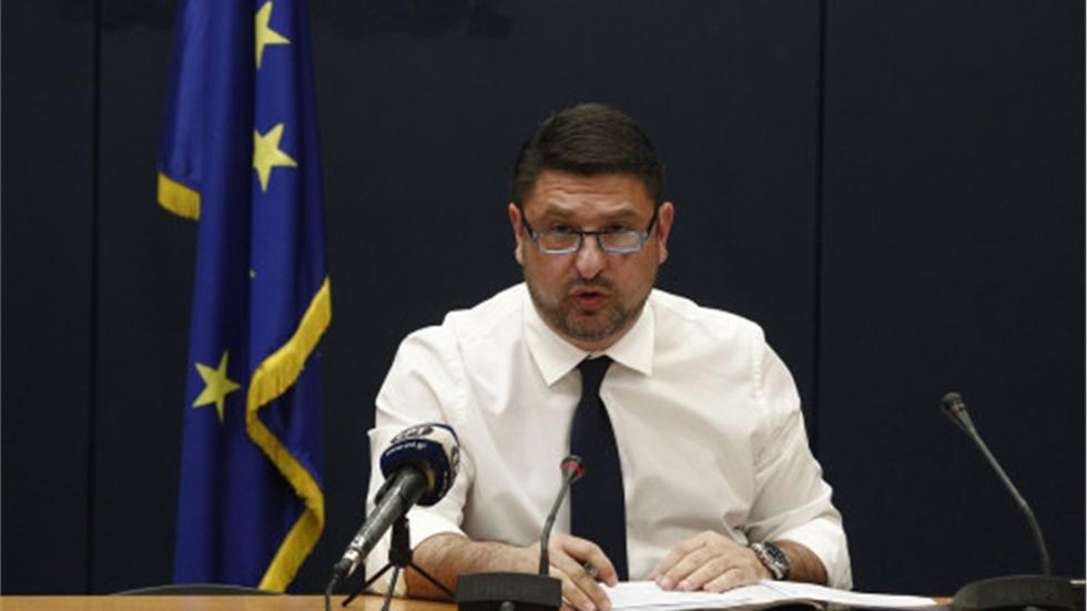 Χαρδαλιάς:  1.000 ευρώ πρόστιμο σε άτομα που συμμετέχουν σε δημόσιες...