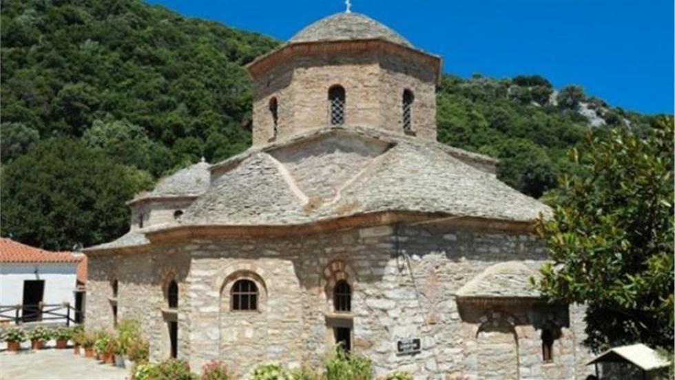 Η Ιερά Μονή Ευαγγελισμού της Θεοτόκου Σκιάθου  Το Μοναστήρι της...