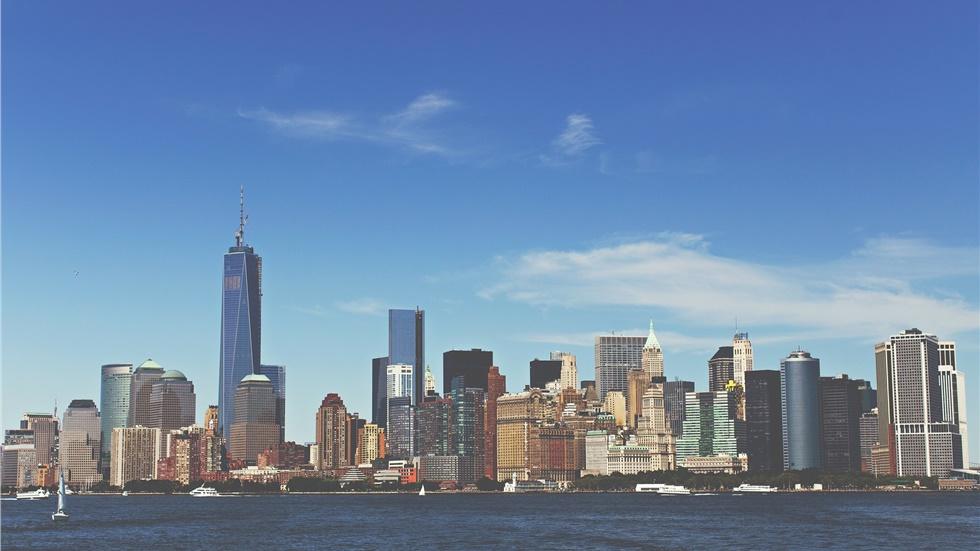 Έφτασε στη Νέα Υόρκη το πρώτο αεροσκάφος με ιατρικό εξοπλισμό...