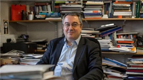 Ηλίας Μόσιαλος: Να αγοράσουν οι κυβερνήσεις τις πατέντες για...