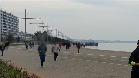 «Λουκέτο»  λόγω συνωστισμού  στην Παραλία  Θεσσαλονίκης