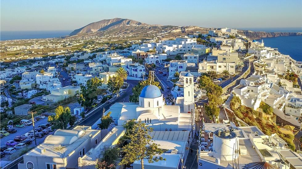 The Telegraph: Η Ελλάδα είναι ο πρώτος προορισμός μετά την κρίση του κορωνοϊού