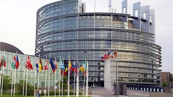 Η Επιτροπή και το Ευρωπαϊκό Ταμείο Επενδύσεων αποδεσμεύουν 8...