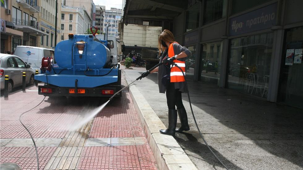 Συνεχίζονται οι επιχειρήσεις καθαρισμού κοινόχρηστων χώρων από...