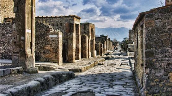 Ο αρχαιολογικός χώρος της Πομπηίας άνοιξε ξανά τις πύλες του...