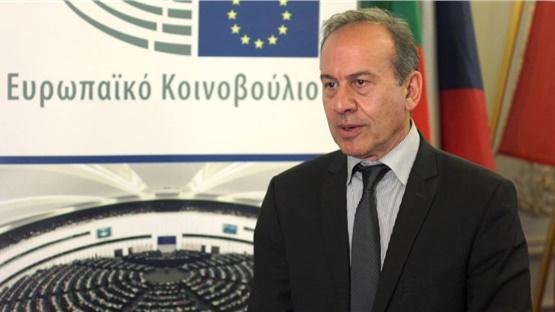 Δικαίωση για τον πρώην  επικεφαλής του Γραφείου του ΕΚ στην Ελλάδα...