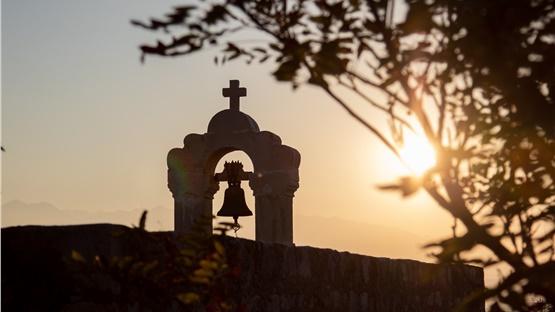 Προσποιούμενος τον προσκυνητή έκλεψε εκκλησία και έκρυψε τα κλοπιμαία...