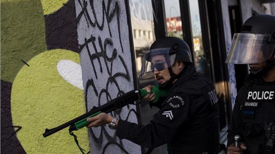 Εργαζόμενοι του Reuters τραυματίστηκαν από πλαστικές σφαίρες...