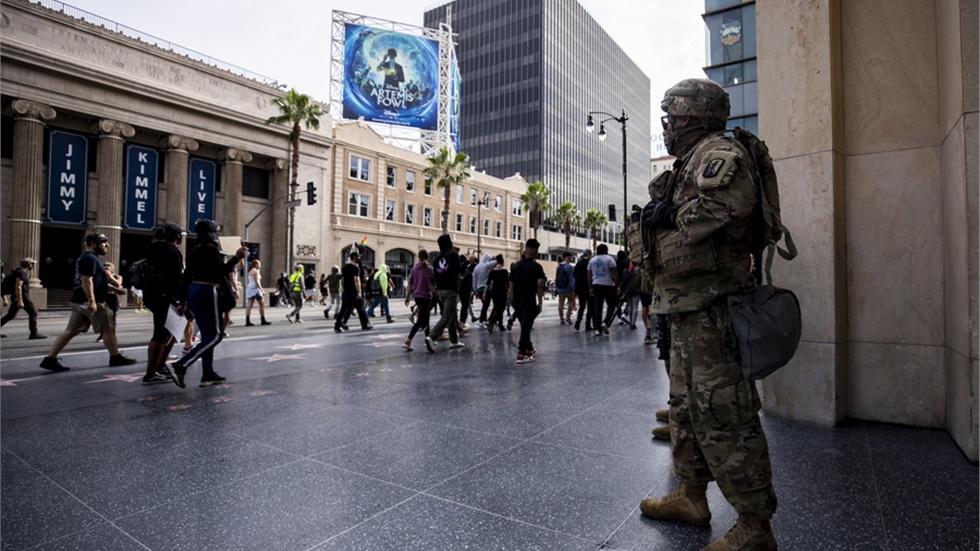 ΗΠΑ: Ο Τραμπ ανακοινώνει την ανάπτυξη «χιλιάδων βαριά οπλισμένων στρατιωτών»