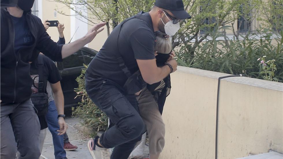 Πώς έφτασε η Αστυνομία στη σύλληψη της 35χρονης που κατηγορείται...
