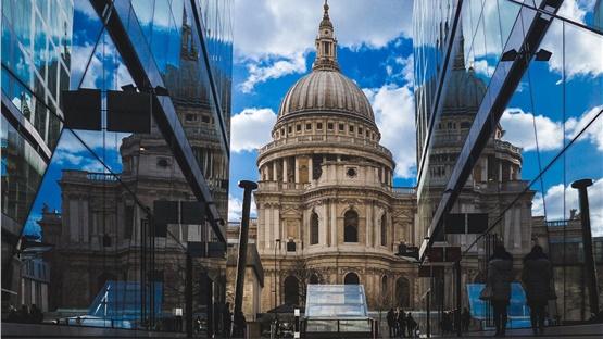 Λονδίνο: Ισόβια κάθειρξη για τη γυναίκα που σχεδίαζε βομβιστική...