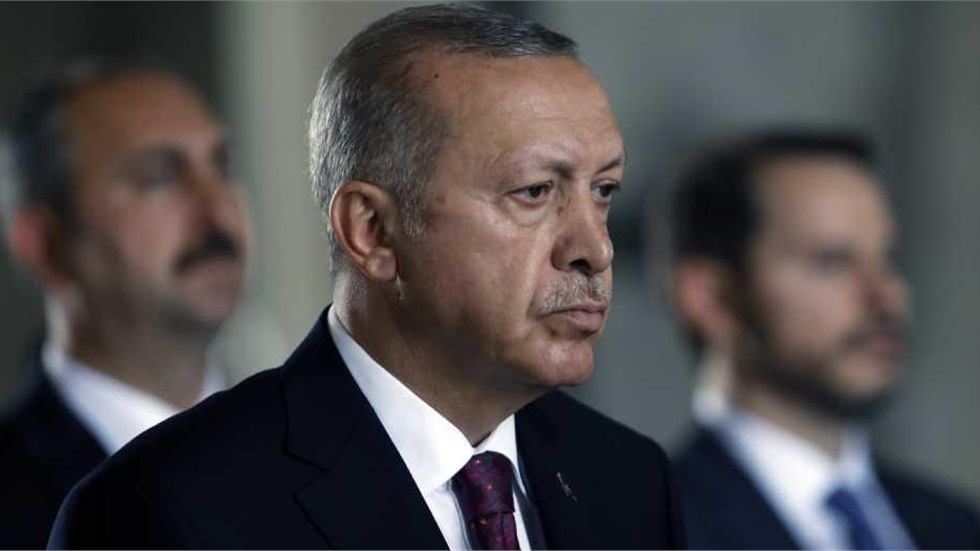 Ο Ερντογάν υπέγραψε το διάταγμα μετατροπής της Αγίας Σοφίας σε τζαμί