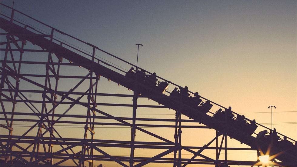 Ιαπωνία: Θεματικό πάρκο εφαρμόζει λόγω κορωνοϊού τον κανόνα «όχι ουρλιαχτά» πάνω σε roller coasters