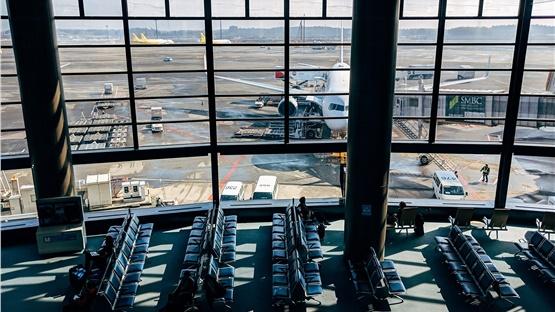 Ξεκινούν από σήμερα οι απευθείας πτήσεις από τη Βρετανία