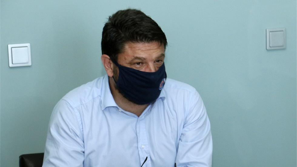 N. Χαρδαλιάς: Θα χρειαστεί να μάθουμε να ζούμε με τη μάσκα