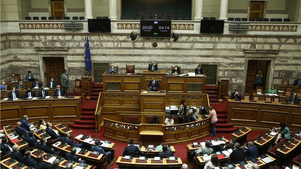 Βουλή: Την άρση της βουλευτικής ασυλίας τριών βουλευτών αποφάσισε...