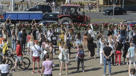 Λευκορωσία: Δεύτερος διαδηλωτής νεκρός, χιλιάδες άνθρωποι στους...