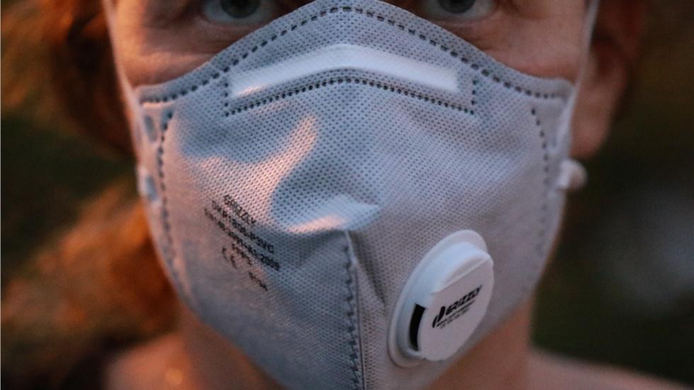 Οι μάσκες με βαλβίδα δεν εμποδίζουν την εξάπλωση του κορωνοϊού - Μην τις χρησιμοποιείτε λέει το CDC