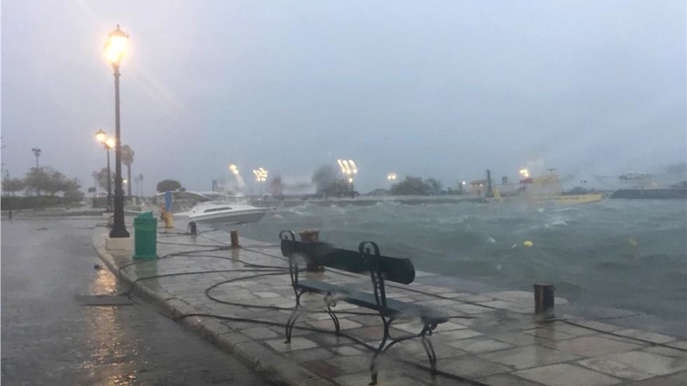 Ζάκυνθος: Θυελλώδεις άνεμοι και δυνατή βροχή με το πέρασμα του...