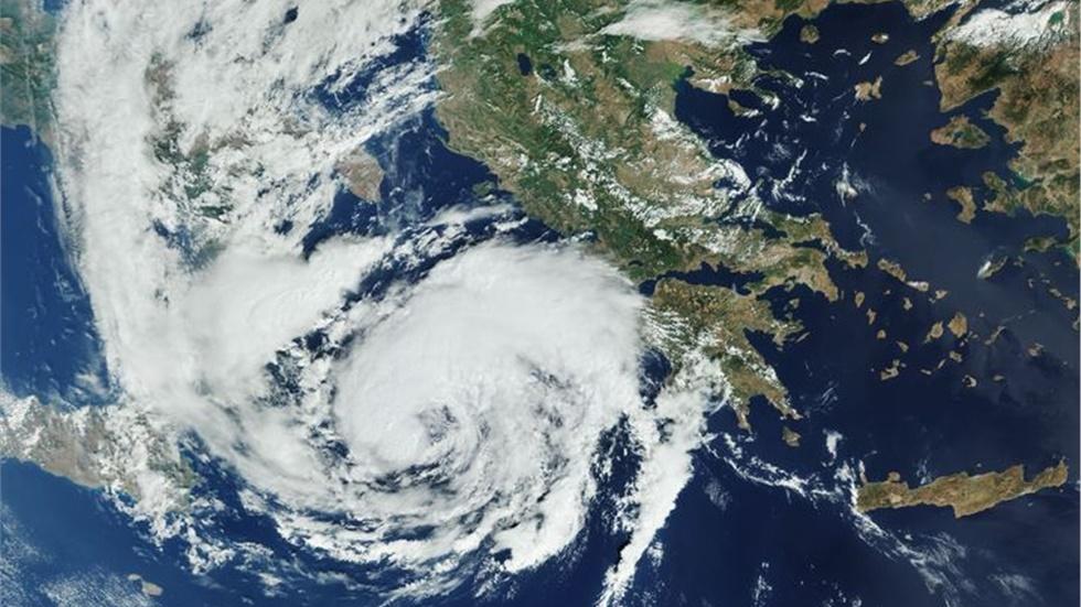 Πώς φαίνεται από δορυφόρο ο «Ιανός»  Ο ευρωπαϊκός δορυφόρος Copernicus...