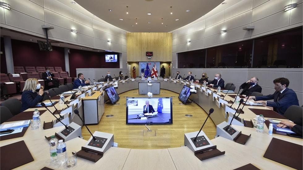 Ένατος γύρος συνομιλιών για το Brexit: Βρυξέλλες και Λονδίνο στην τελική «ευθεία»