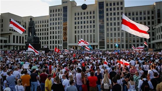 Λευκορωσία: Τουλάχιστον 350 άνθρωποι συνελήφθησαν στις χθεσινές...