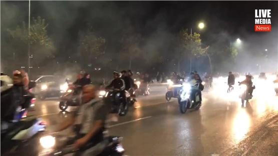 Χιλιάδες οπαδοί του ΠΑΟΚ συνοδεύουν την αποστολή του Δικεφάλου...