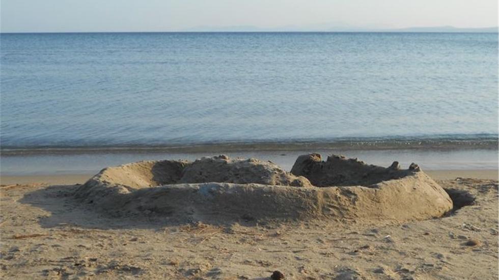 Φωτεινή Στεφανίδη: «Οκτώβρης αυτοκράτωρ χωρίς το κάστρο του καλοκαιριού»