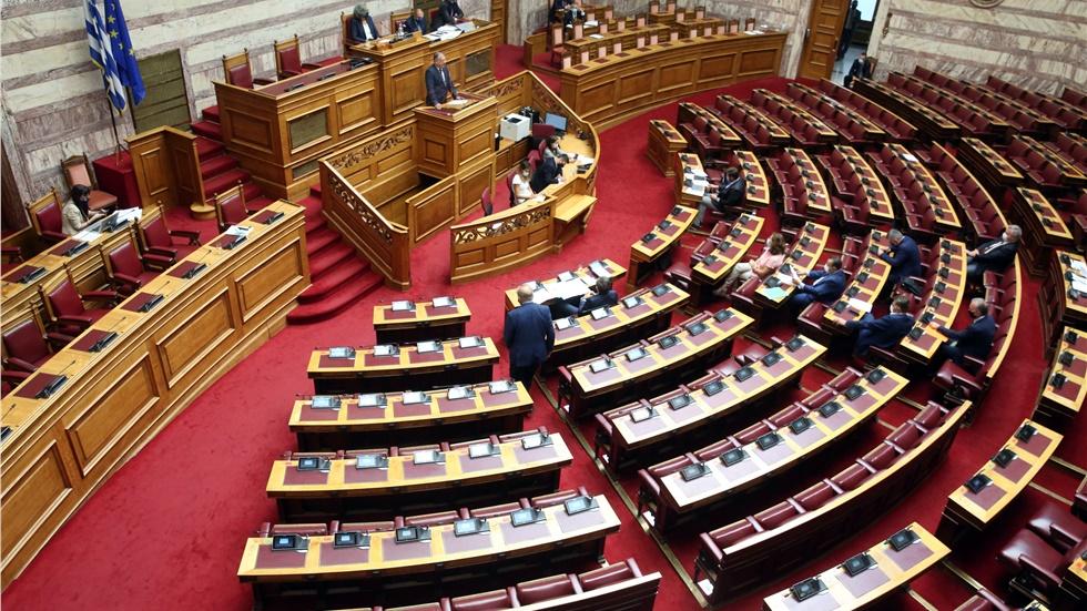 Τρίτο επιβεβαιωμένο κρούσμα κορονοϊού στη Βουλή - Σε εφαρμογή...
