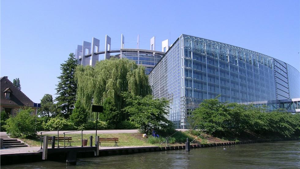 Το Ευρωπαϊκό Κοινοβούλιο τάχθηκε υπέρ μιας αυστηρής ρύθμισης...