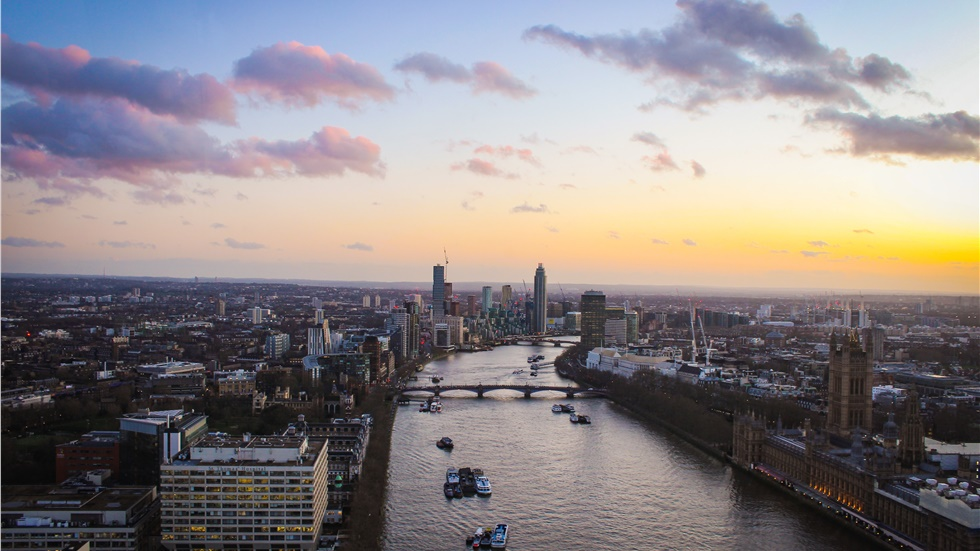 Mayor of London urges ministers to back council home building...
