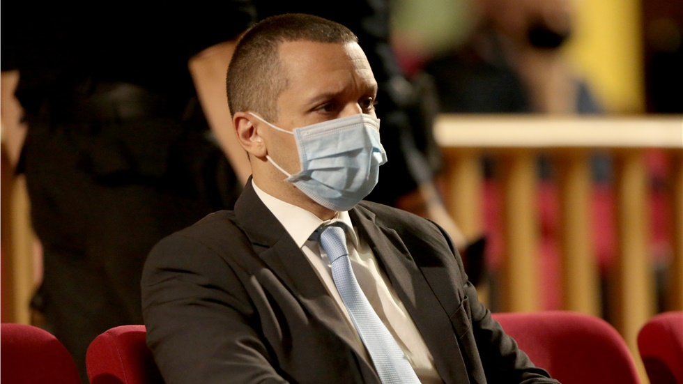 Δίκη Χρυσής Αυγής: Παραδόθηκαν τρεις από τους καταδικασθέντες