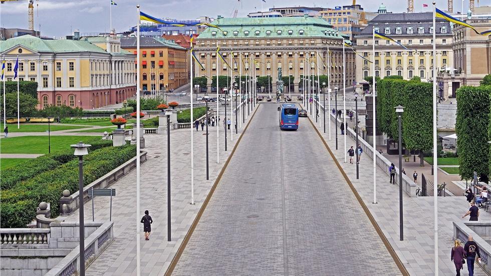 Σουηδία: Παρά την άνοδο των κρουσμάτων, η χώρα δεν αλλάζει στρατηγική