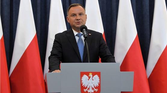 Πολωνία: Ο πρόεδρος Ντούντα προσβλήθηκε από covid-19, αλλά νιώθει...