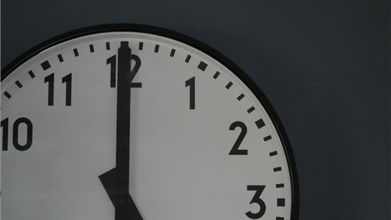 The clocks will go back 1 hour on 25 October 2020!   In the UK...