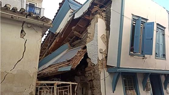 Η επόμενη μέρα από τον σεισμό: Η Σάμος μετρά τις πληγές της