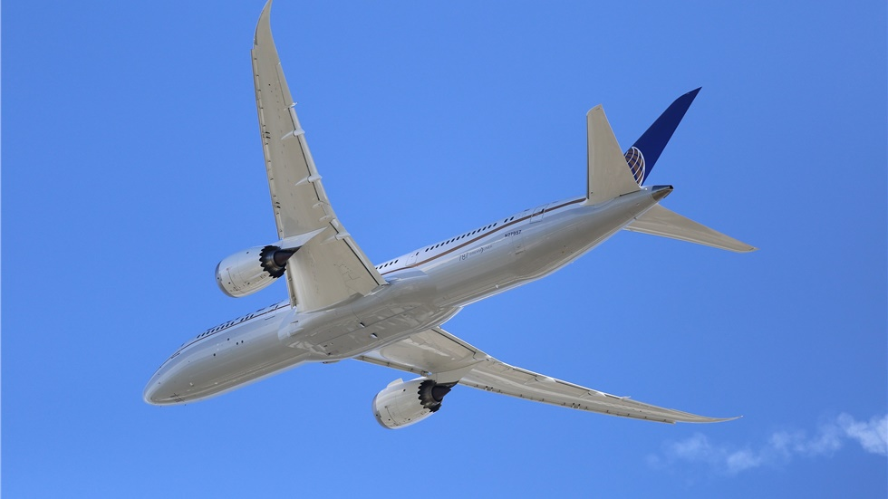 UK and US sign aviation agreement to protect travel links