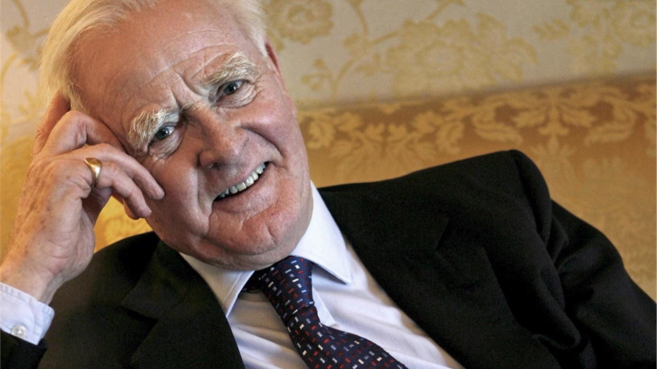 Απεβίωσε ο Βρετανός συγγραφέας Τζον Λε Καρέ, στα 89 του χρόνια