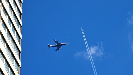 «Βουτιά» 60% της παγκόσμιας αεροπορικής κίνησης το 2020 εξαιτίας...