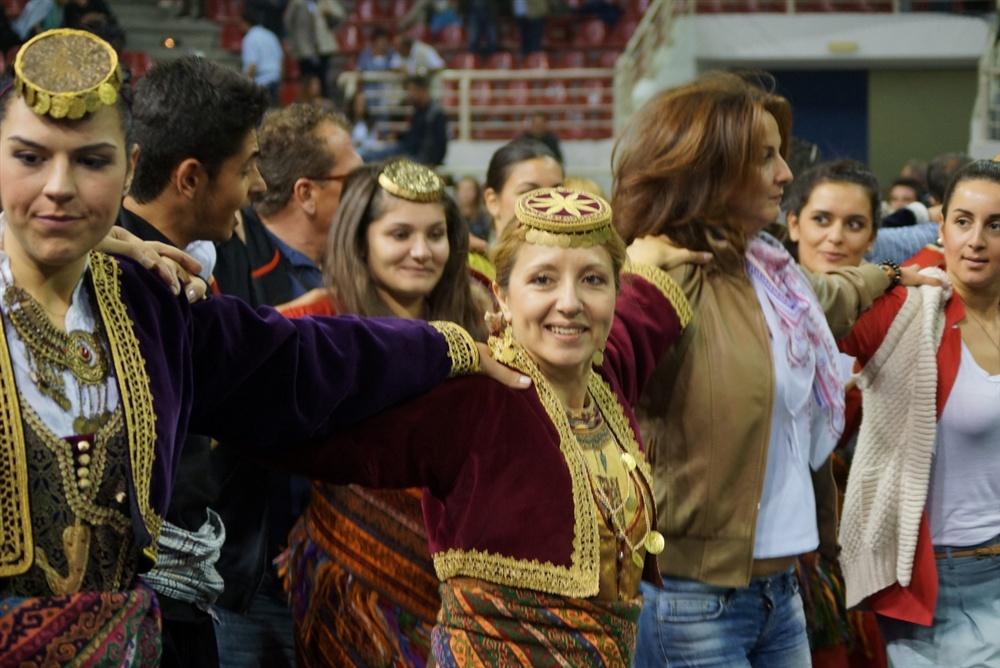 - 9ο Πανελλαδικό Φεστιβάλ Ποντιακών Χορών