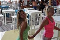 Όμορφες παρουσίες στα beach bar της περιοχής.