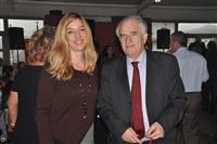 Ο καθηγητής καρδιολογίας και πρώην πρόεδρος της Παμποντιακής Ομοσπονδίας Ελλάδος κος Γιώργος Παρχαρίδης με τη δημοσιογράφο κα Μάρνη Χατζηεμμανουήλ.
