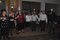 Μετά τα χορευτικά ανέλαβαν το χορευτικό μέρος οι καλεσμένοι.